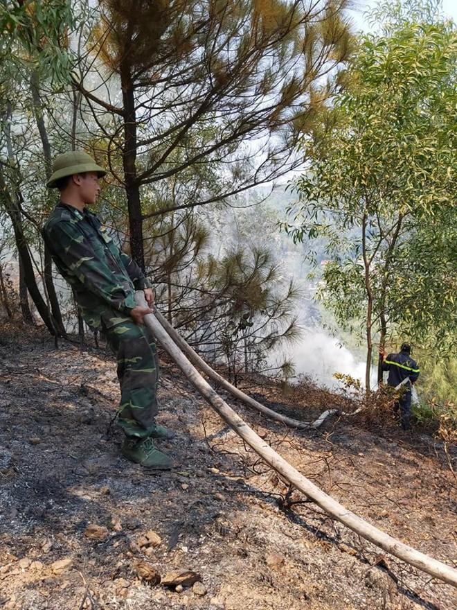 Cháy rừng ở Nghệ An nghi do dân đốt vàng mã Rằm tháng 7 - ảnh 4