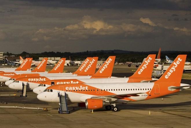 """Sau vụ """"ghế không tựa"""", hãng hàng không """"nhởn nhơ"""" nhất thế giới lại tiếp tục bắt hành khách ngồi… ghế không lót: Như vậy cũng được nữa hả? - ảnh 7"""
