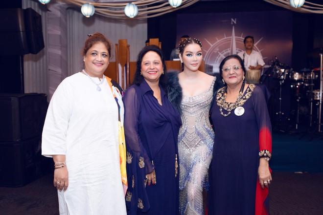 Lý Nhã Kỳ lại biến hoá thành công chúa biển xanh khi dự tiệc sinh nhật tỷ phú Ấn Độ ngày thứ 2 - ảnh 5