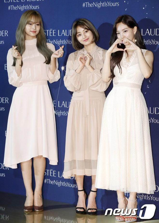 Lại nghiệp tụ vành môi, netizen hết sức chê bai Jihyo dù cô nàng makeup và ăn mặc hợp lý - ảnh 6