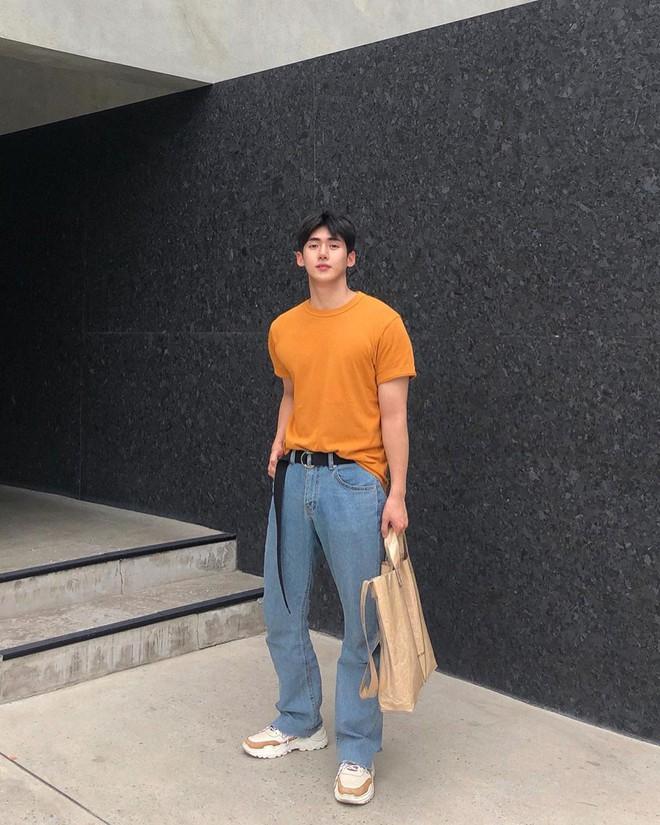 Con gái sợ nhất mấy anh người đô lại mặc áo bó chẽn nên để khoe dáng mà không lố, bạn nên học trai Hàn - ảnh 8