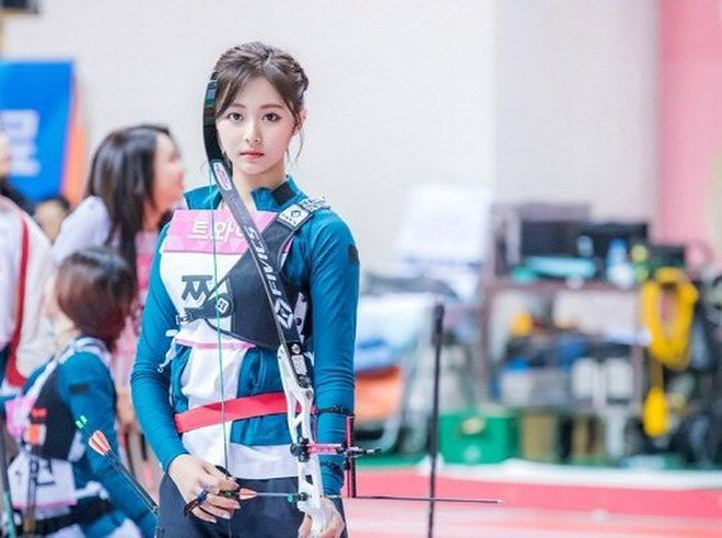 Đại hội thể thao Idol: Tzuyu (TWICE) tiếp tục chứng minh kỹ năng bắn cung thần sầu - ảnh 6