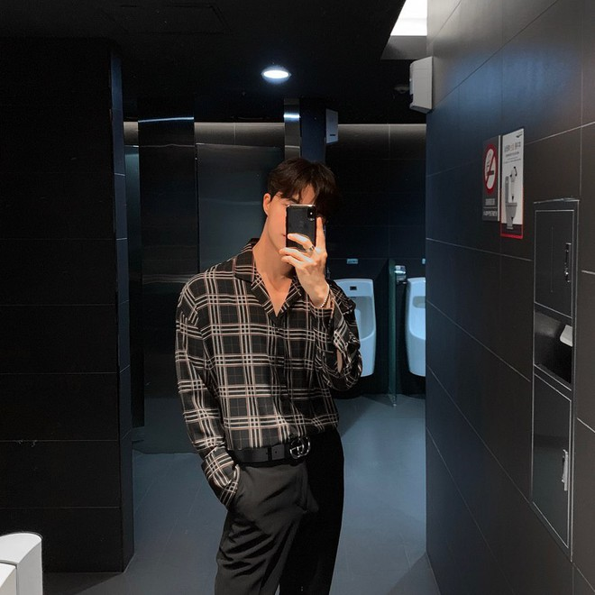 Con gái sợ nhất mấy anh người đô lại mặc áo bó chẽn nên để khoe dáng mà không lố, bạn nên học trai Hàn - ảnh 1