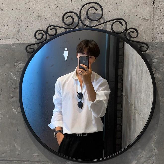 Con gái sợ nhất mấy anh người đô lại mặc áo bó chẽn nên để khoe dáng mà không lố, bạn nên học trai Hàn - ảnh 2