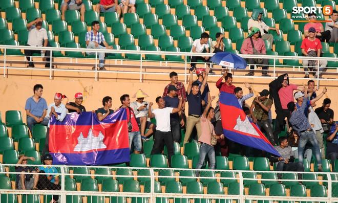 Ấm lòng phút giây xum vầy cùng gia đình của các cầu thủ U18 Việt Nam sau thất bại tại giải U18 Đông Nam Á 2019 - ảnh 14