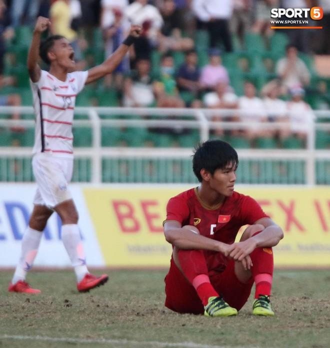 Ấm lòng phút giây xum vầy cùng gia đình của các cầu thủ U18 Việt Nam sau thất bại tại giải U18 Đông Nam Á 2019 - ảnh 4
