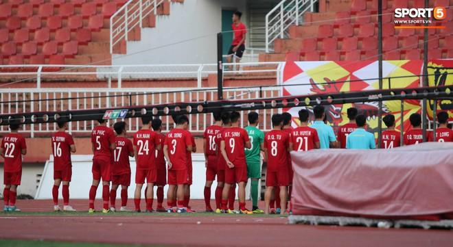 Ấm lòng phút giây xum vầy cùng gia đình của các cầu thủ U18 Việt Nam sau thất bại tại giải U18 Đông Nam Á 2019 - ảnh 11