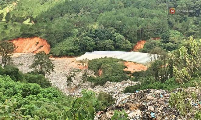 Cận cảnh núi rác ngàn tấn đổ ập xuống ruộng vườn ở Đà Lạt - ảnh 2