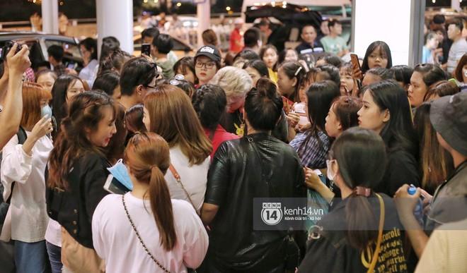Giữa liên hoàn phốt, Jack cùng K-ICM rời Việt Nam sang Hàn công tác, choáng khung cảnh fan vây kín sân bay tiễn idol - ảnh 1