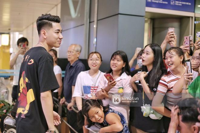 Giữa liên hoàn phốt, Jack cùng K-ICM rời Việt Nam sang Hàn công tác, choáng khung cảnh fan vây kín sân bay tiễn idol - ảnh 11