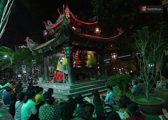 Hàng ngàn người đến chùa Phúc Khánh dự lễ Vu Lan, không còn cảnh chen chúc tràn xuống lòng đường - ảnh 3