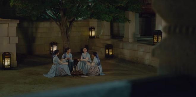Tân Binh Học Sử Goo Hae Ryung: Nghe tin crush tắm tiên với trai, Cha Eun Woo làm ngay khoá tỏ tỉnh cấp tốc! - Ảnh 3.