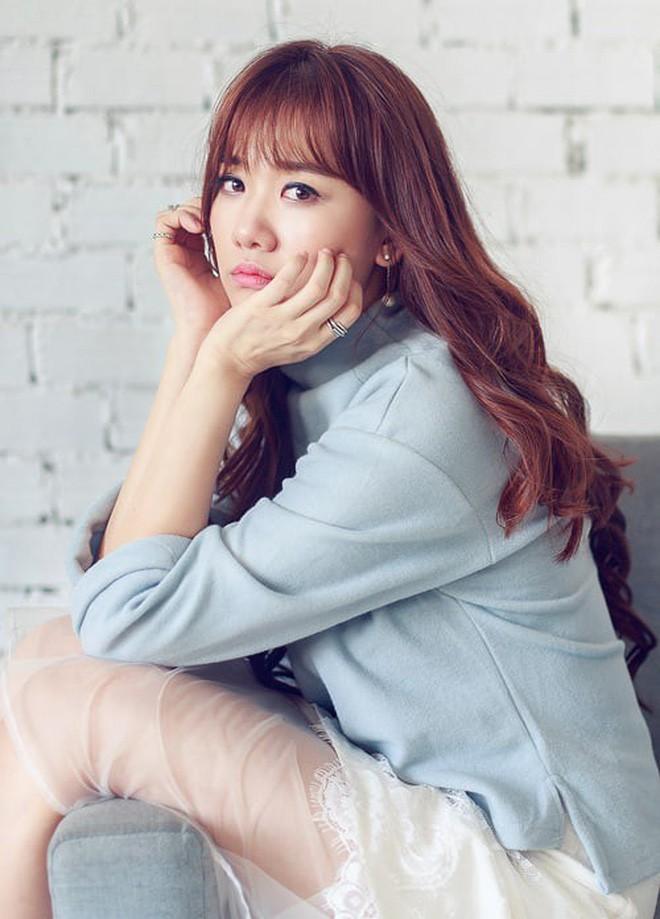 Hari Won trong MV mới chính là minh chứng: Màu tóc tẩy sáng chưa chắc đã giúp bạn xinh hơn tóc tối màu - ảnh 7