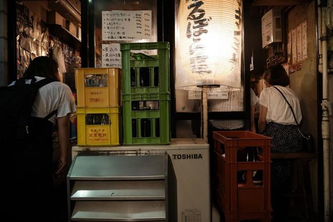 Phố cổ hoàng kim của Tokyo: Nơi 300 nhà hàng cùng nhau trốn thế giới hiện đại, chen chúc trong diện tích bằng nửa sân bóng - Ảnh 11.
