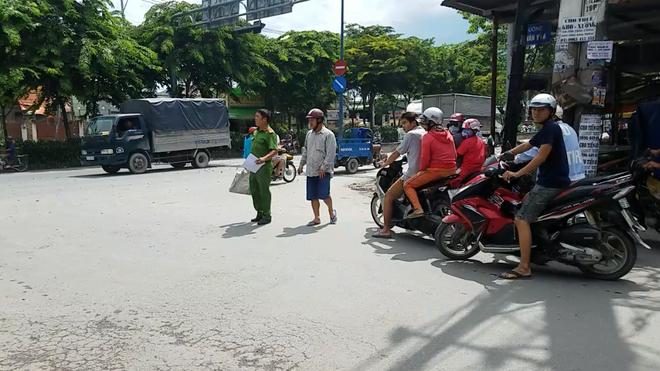Hai tài xế đuổi chém nhau kinh hoàng vì tranh giành khách ở Sài Gòn - ảnh 2