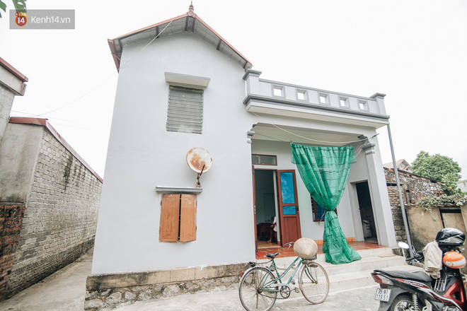 Số phận cay đắng của người cây kì lạ nhất Việt Nam: Mẹ cõng con đi điều trị suốt 50 năm, phải uống thuốc ngủ để quên cơn đau - ảnh 1