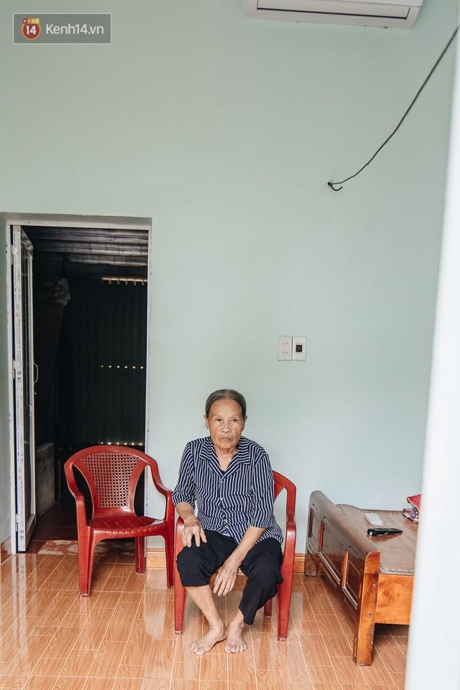 Số phận cay đắng của người cây kì lạ nhất Việt Nam: Mẹ cõng con đi điều trị suốt 50 năm, phải uống thuốc ngủ để quên cơn đau - ảnh 8