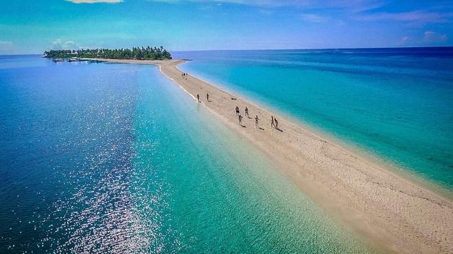 Đường xuyên biển hiện đang là trend mới nhất của Mẹ thiên nhiên, Việt Nam cũng có 1 con đường góp mặt trong danh sách này đó! - ảnh 2