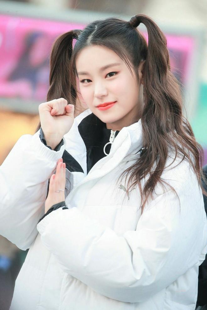 """Bảng xếp hạng nữ idol hot nhất tháng 8: Nữ idol tân binh đã """"đạp đổ"""" Jennie để lên ngôi vương, top 5 gây tranh cãi vì thứ hạng - Ảnh 1."""