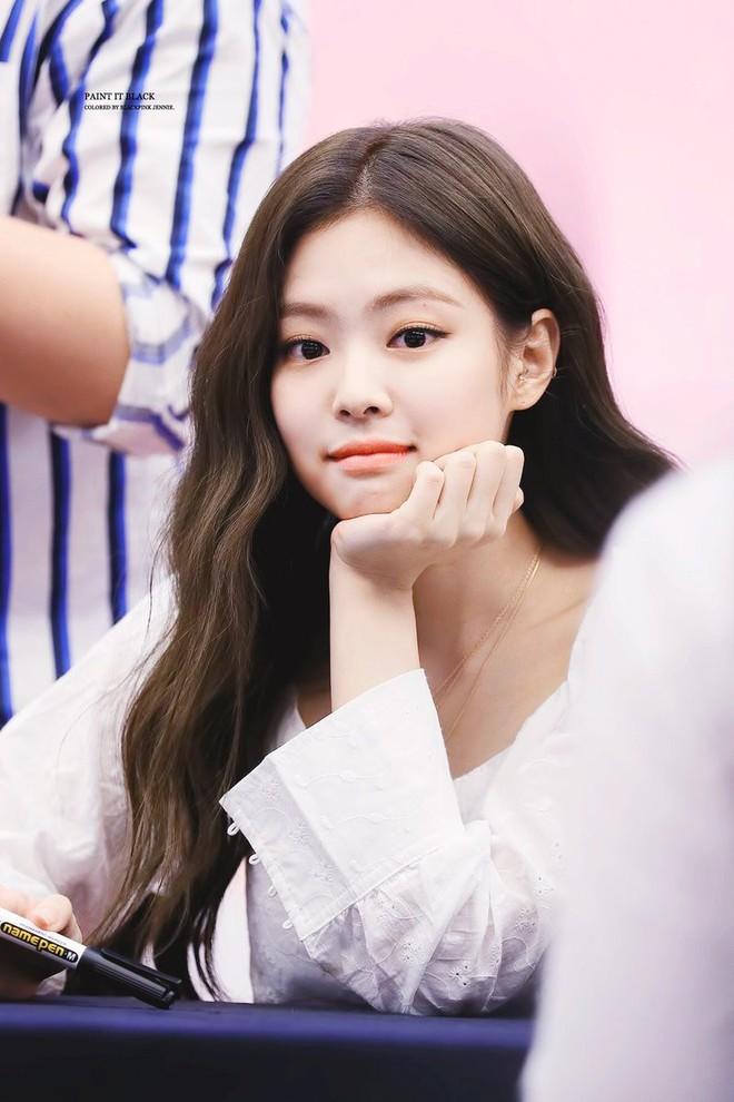 """Bảng xếp hạng nữ idol hot nhất tháng 8: Nữ idol tân binh đã """"đạp đổ"""" Jennie để lên ngôi vương, top 5 gây tranh cãi vì thứ hạng - Ảnh 2."""