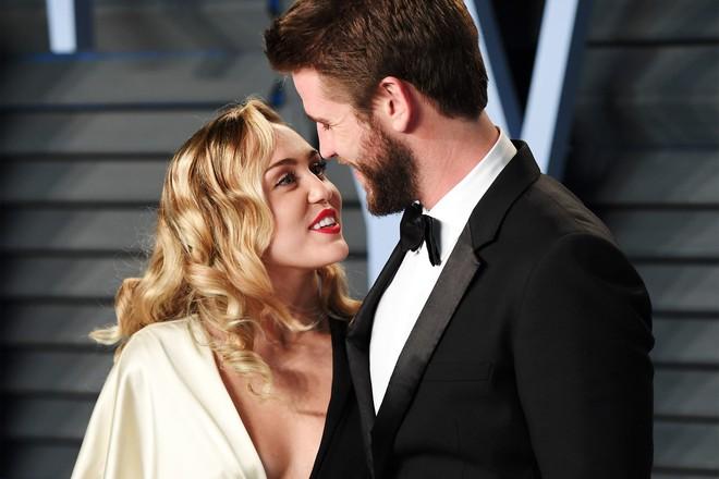 Sốc: Bạn bè của Liam Hemsworth tiết lộ nam diễn viên thường xuyên bị Miley Cyrus nhục mạ - ảnh 2