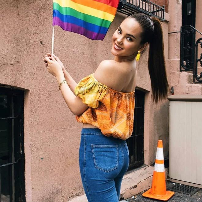 Cô gái chuyển giới bị còng tay chỉ vì muốn dùng toilet nữ khiến MXH dậy sóng đòi công bằng, Hoa hậu Hoàn vũ cũng lên tiếng - ảnh 5
