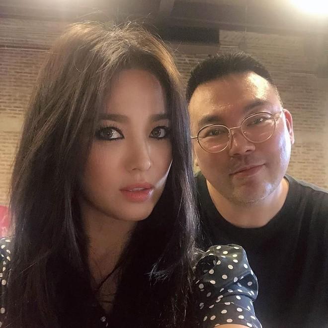 Biết là Song Hye Kyo đã khác xưa nhưng dân tình vẫn không thể quen với cách kẻ mắt sắc lẹm dữ dằn này của cô - ảnh 12
