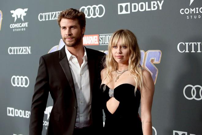 Sốc: Bạn bè của Liam Hemsworth tiết lộ nam diễn viên thường xuyên bị Miley Cyrus nhục mạ - ảnh 1