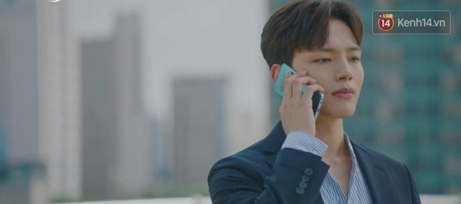 Tấu hài như Hotel Del Luna: CEO IU ngày càng lầy lội, BTS bất ngờ làm cameo tại khách sạn ma quái? - ảnh 23