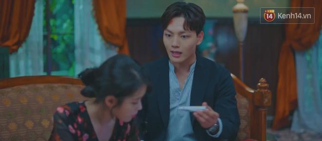 Tấu hài như Hotel Del Luna: CEO IU ngày càng lầy lội, BTS bất ngờ làm cameo tại khách sạn ma quái? - ảnh 30