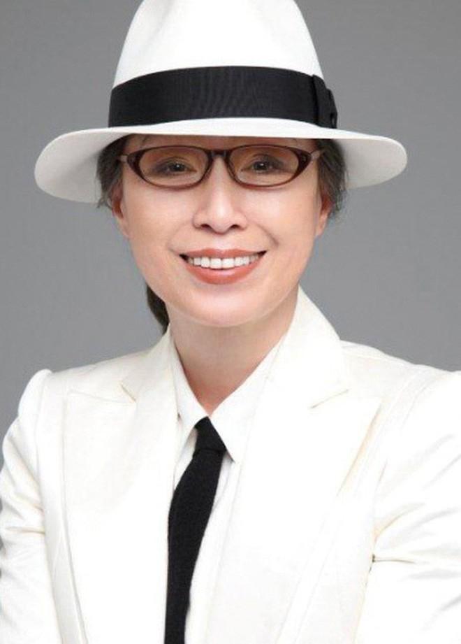 Không sáng thì tối, người Nhật lúc nào cũng massage mặt theo phương pháp Tanaka để trẻ hóa làn da - ảnh 1
