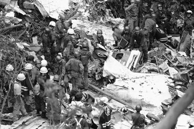Vụ tai nạn máy bay thảm khốc khiến hơn 500 người tử nạn ở Nhật Bản và cái cúi đầu xin lỗi của vợ cơ trưởng - ảnh 11