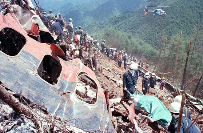 Vụ tai nạn máy bay thảm khốc khiến hơn 500 người tử nạn ở Nhật Bản và cái cúi đầu xin lỗi của vợ cơ trưởng - ảnh 12