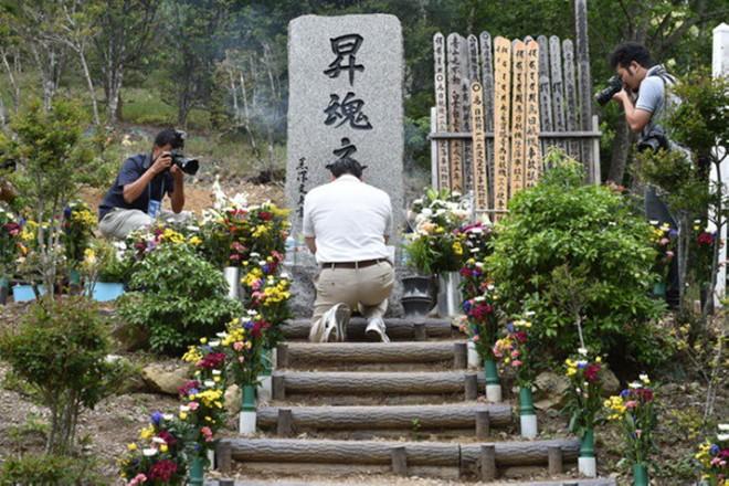 Vụ tai nạn máy bay thảm khốc khiến hơn 500 người tử nạn ở Nhật Bản và cái cúi đầu xin lỗi của vợ cơ trưởng - ảnh 14