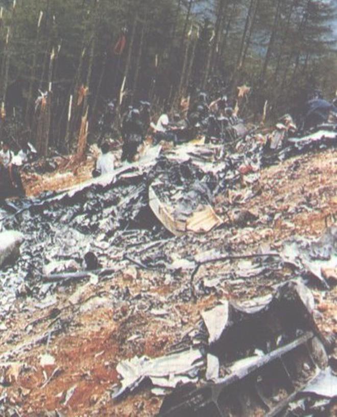 Vụ tai nạn máy bay thảm khốc khiến hơn 500 người tử nạn ở Nhật Bản và cái cúi đầu xin lỗi của vợ cơ trưởng - ảnh 9