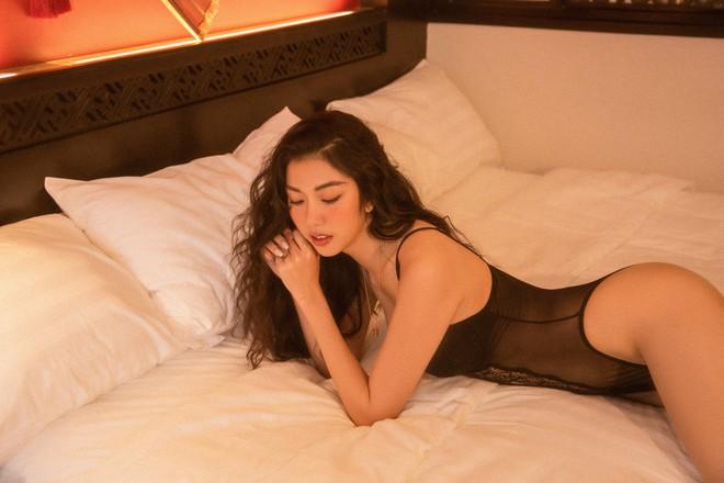 Bỏng mắt với bộ ảnh diện nội y hiếm hoi của Thúy Vân: Khoe đường cong bốc lửa giữa tin đồn trở lại Hoa hậu Hoàn vũ - ảnh 5