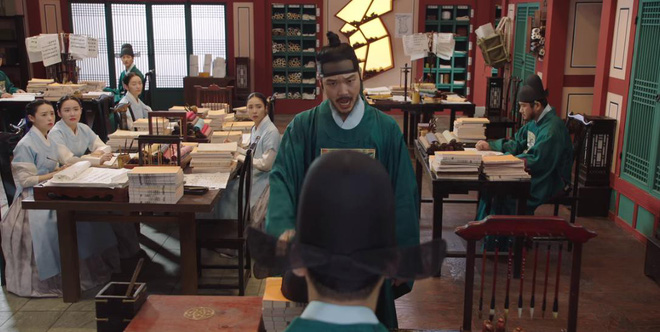 Tân Binh Học Sử Goo Hae Ryung: Quen chưa lâu, Shin Se Kyung đã ham hố ngủ cùng trai đẹp, quá đáng lắm rồi! - ảnh 18