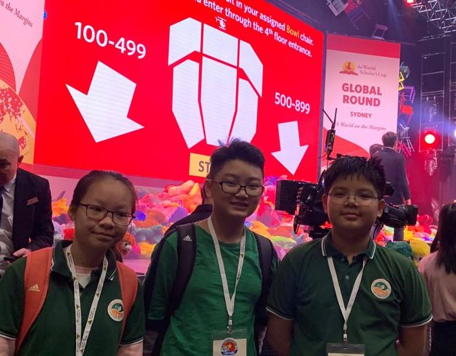 Đội tuyển Việt Nam tại Cúp Học thuật Thế giới 2019: Vượt qua 2000 thí sinh vào bán kết, tự tin trả lời phỏng vấn bằng tiếng Anh - ảnh 4