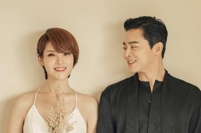 Cuồng vợ như tài tử bom tấn Lối thoát trên không: Khoe tài nội trợ của bà xã đến mức Yoona còn phải tan chảy - ảnh 2