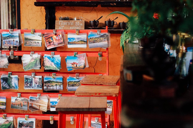 Đi 1 được 3: Ngôi làng nhỏ vừa thơ mộng như đồi chè Mộc Châu, vừa cổ kính như Phượng Hoàng Cổ Trấn mà lại ngay gần Việt Nam nè! - ảnh 6