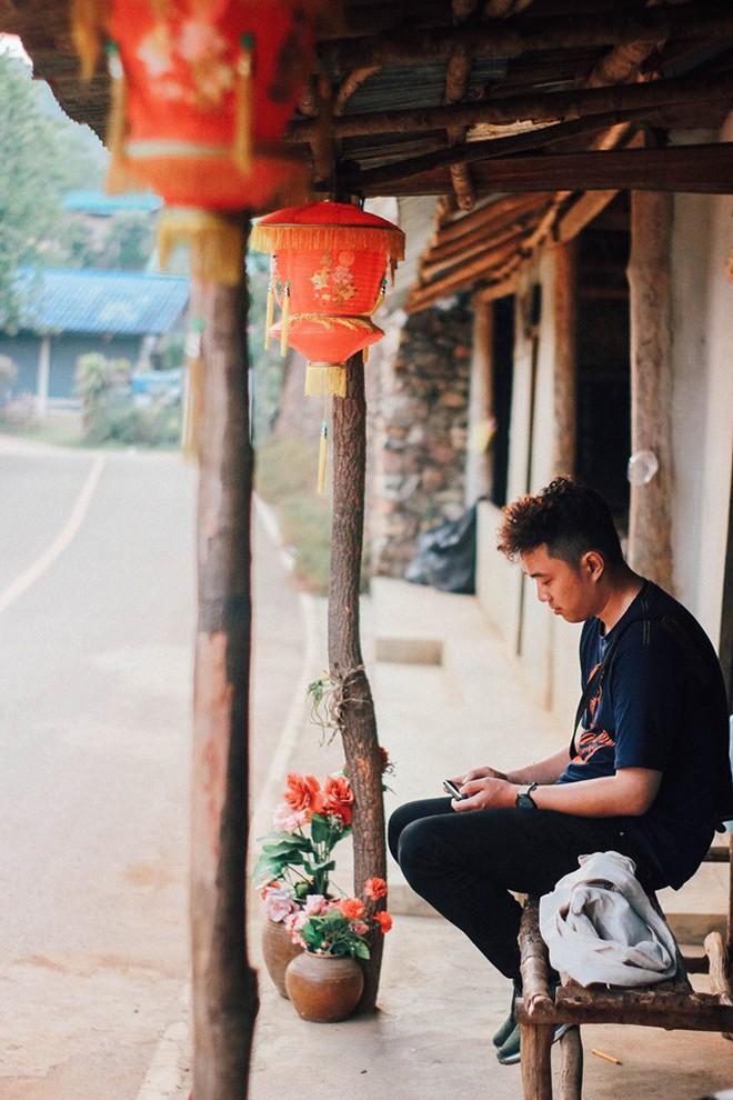 Đi 1 được 3: Ngôi làng nhỏ vừa thơ mộng như đồi chè Mộc Châu, vừa cổ kính như Phượng Hoàng Cổ Trấn mà lại ngay gần Việt Nam nè! - ảnh 26