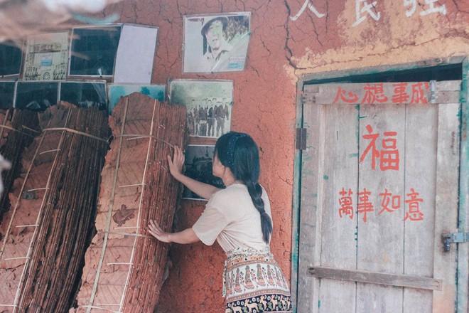 Đi 1 được 3: Ngôi làng nhỏ vừa thơ mộng như đồi chè Mộc Châu, vừa cổ kính như Phượng Hoàng Cổ Trấn mà lại ngay gần Việt Nam nè! - ảnh 23