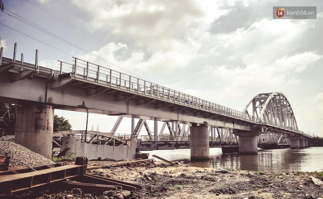 Cận cảnh cầu sắt Bình Lợi mới gần 500 tỉ đồng, sẵn sàng cho tàu hỏa Bắc - Nam chạy thử vào đầu tháng 9/2019 - ảnh 2