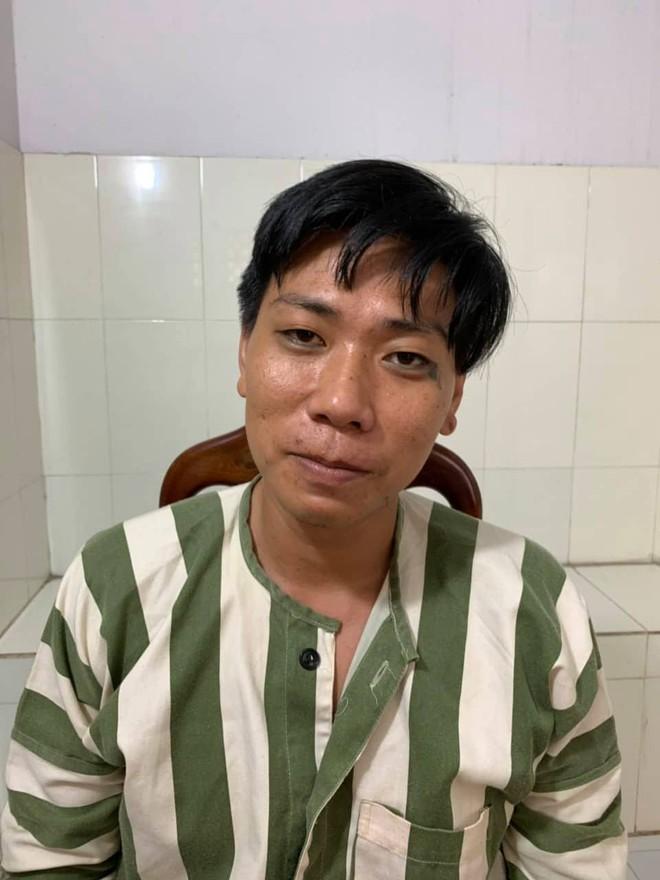 Khởi tố bảo vệ dâm ô thiếu nữ 15 tuổi trong quán cà phê chòi rồi quay lại clip ở Sài Gòn - ảnh 1