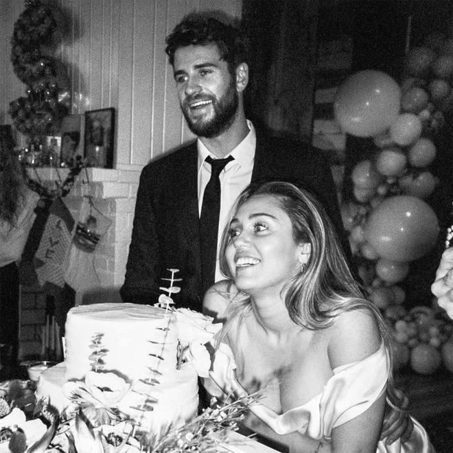 Không để fan hy vọng thêm nữa, Liam Hemsworth chính thức đệ đơn ly hôn Miley Cyrus ra tòa! - Ảnh 3.