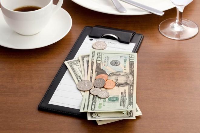 """Thế kỷ 21 rồi, vào nhà hàng, khách sạn tip bao nhiêu là đủ? Tip thế nào cho tế nhị, cho """"sang""""? - ảnh 6"""