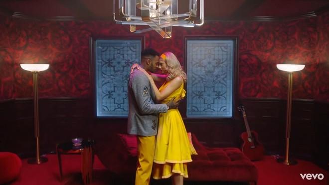 Taylor Swift mơ về ngôi nhà và những đứa trẻ trong MV Lover, fan không khỏi xao xuyến chờ đến ngày chị cưới! - ảnh 6