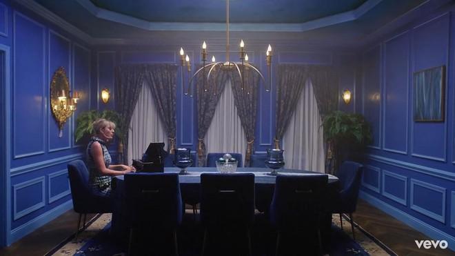 Taylor Swift mơ về ngôi nhà và những đứa trẻ trong MV Lover, fan không khỏi xao xuyến chờ đến ngày chị cưới! - ảnh 9