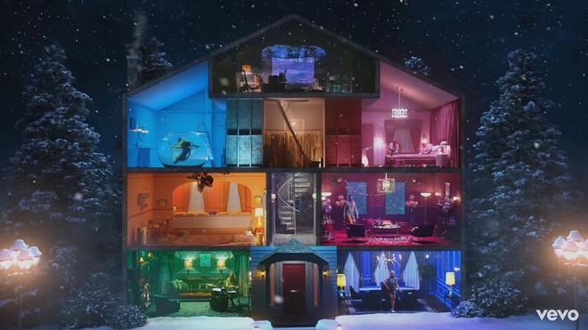 Taylor Swift mơ về ngôi nhà và những đứa trẻ trong MV Lover, fan không khỏi xao xuyến chờ đến ngày chị cưới! - ảnh 14