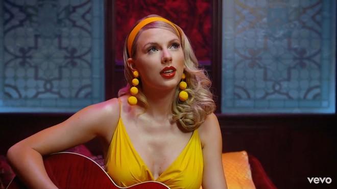 Taylor Swift mơ về ngôi nhà và những đứa trẻ trong MV Lover, fan không khỏi xao xuyến chờ đến ngày chị cưới! - ảnh 12
